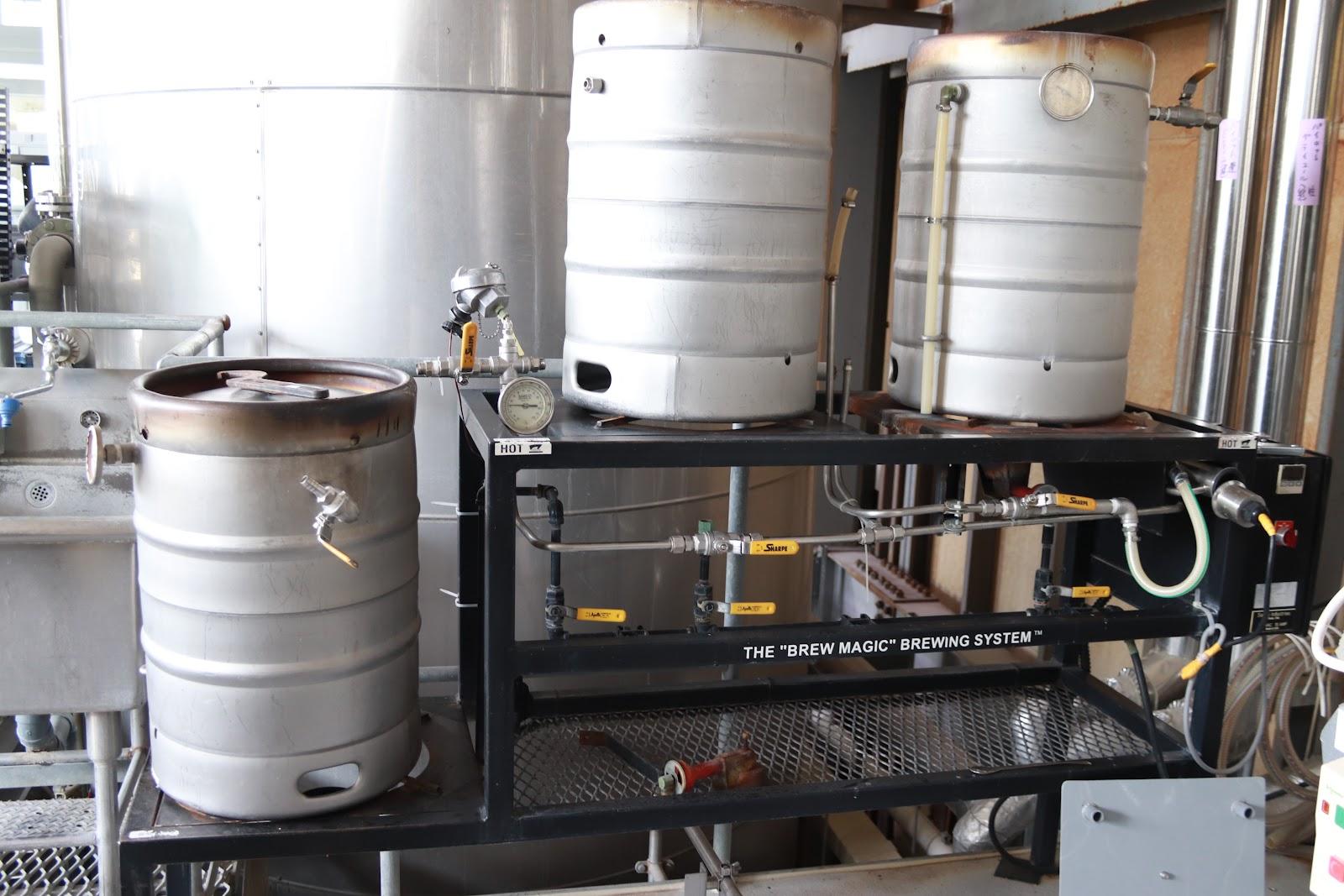ヤッホーブルーイング 実験的にビール製造が出来る試験醸造設備