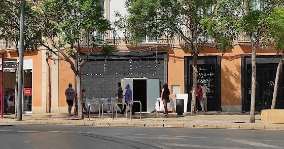 Una hamburguesería en plena Puerta de Purchena: la próxima novedad del centro