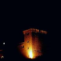 La torre di notte di