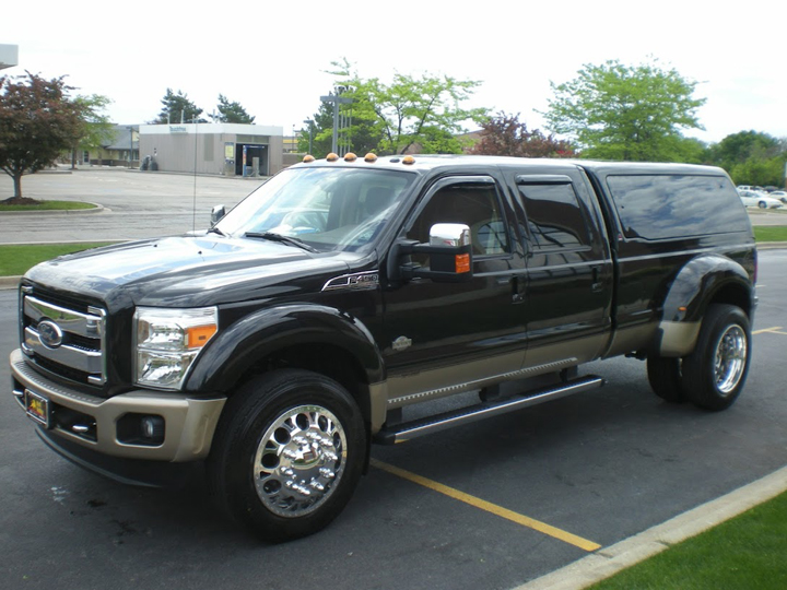 Photo: 2011 FORD F450 (8 Lug) 22.5 MAGNUM WHEELS 255/70-22.5 SUMITOMO 727 ALL POSITION TIRES STOCK SUSPENSION