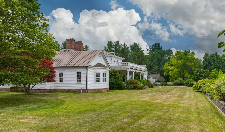 Maison avec piscine et terrasse Millbrook