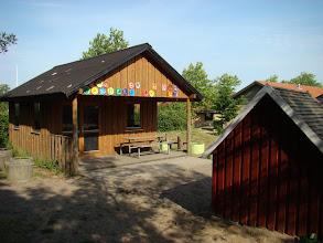 Photo: Hytter på Beder Skole