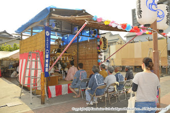 Photo: 【平成26年(2014) 宵々宮】 お仮屋に搬入後、御霊入れの儀。