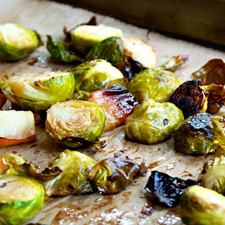 Balsamic Roasted Brussels Sprouts and Apples Recipe