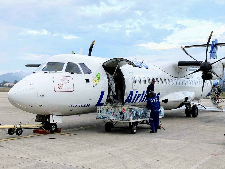 (ラオス航空の ATR-72 筆者撮影)