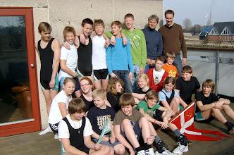 Photo: 2006 Ungdomsroere i Odense Roklub med ledere.