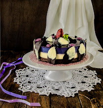 Photo: Tarta violeta de chocolates y arándanos/http://lacocinadefrabisa.blogspot.com.es/2013/06/receta-tarta-violeta-de-chocolates-y.html/NIKON D5200 -  Objetivo 18-105