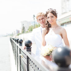 Wedding photographer Oksana Krayushkina (happykermit13). Photo of 21.07.2015