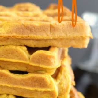Simple Pumpkin Spice Waffles