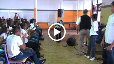 Video: Sensemaya au Collège Dillon 2 : Défilé de Mode à Fort de France (Martinica)