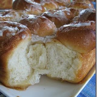 Fluffy Sticky Lemon rolls; sweet and tart