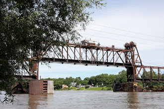 Photo: Lift railroad bridge - Illinois River - Ottawa IL