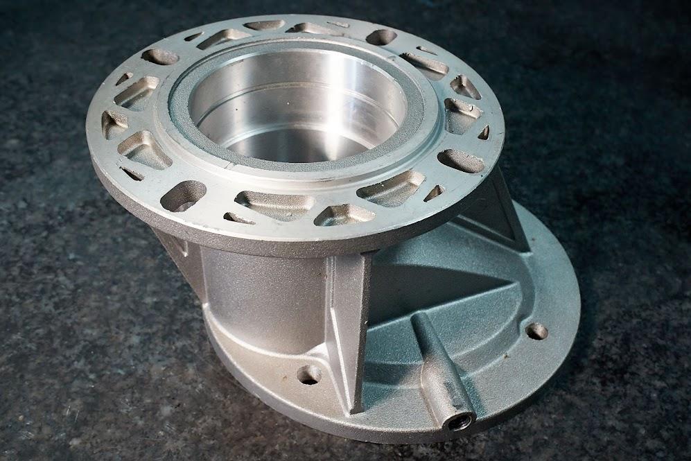Mecanizados Toyla, empresa especializada en la mecanización de piezas en transfers, centros de mecanizado por control numérico y tornos CNC , taladros, fresa