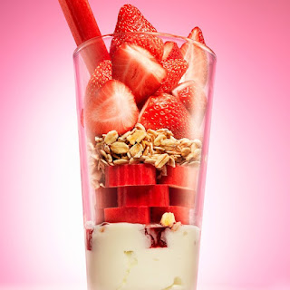 Strawberry Rhubarb Crumble Smoothie