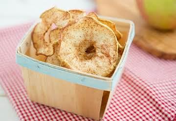 Soft and Chewy Spiced Apple Rings | Oh My Veggies