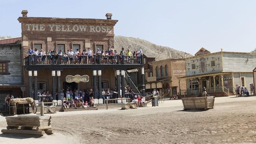 Espectáculo en el poblado Oasys MiniHollywood.