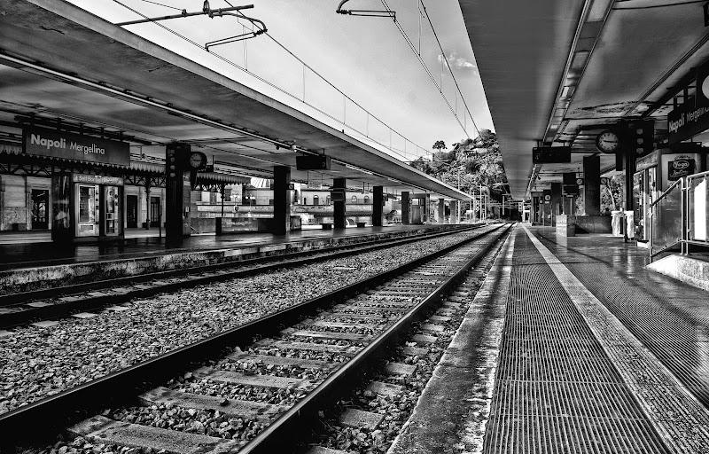 ogni viaggio parte da una stazione.... di Francesco Di Maio