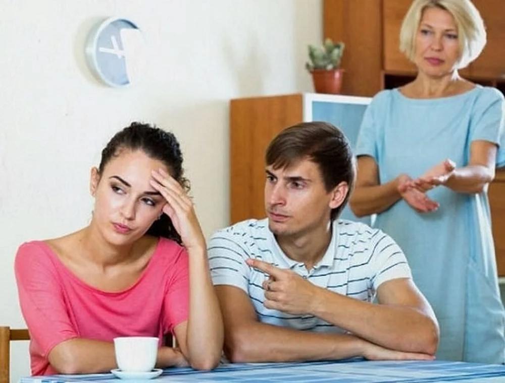 Không kiểm soát mối quan hệ giữa chồng và mẹ chồng quá mức
