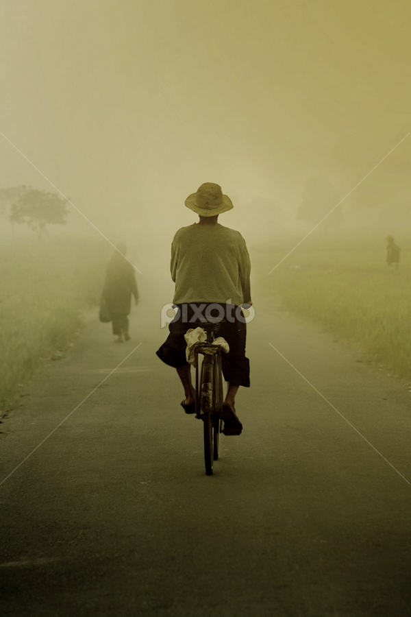 berangkat pagi by Ujang ubed Hidayat - Digital Art People