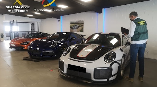 Cae una red que defrauda siete millones en IVA en la compraventa de vehículos