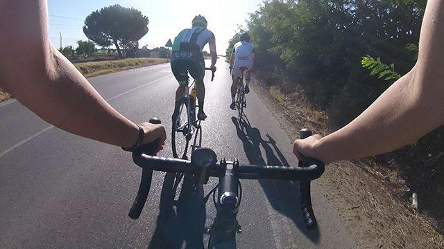 ¿Cuántos watios genera un ciclista profesional?