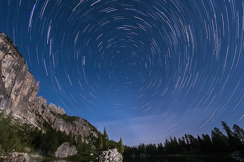 e quindi uscimmo a riveder le stelle di Mauro Moroni