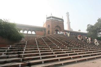 Photo: Le 4 DELHI: La Maja Masjid ( entrée)