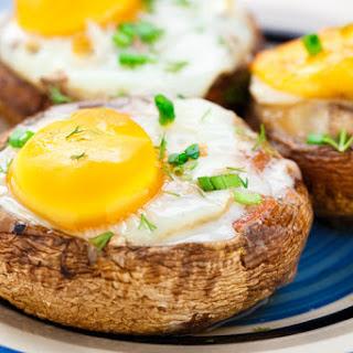 5-Ingredient Baked Egg Mushrooms