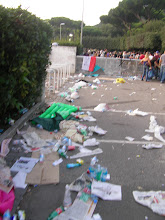 Photo: The mess left behind by the fans who just entered the stadium.