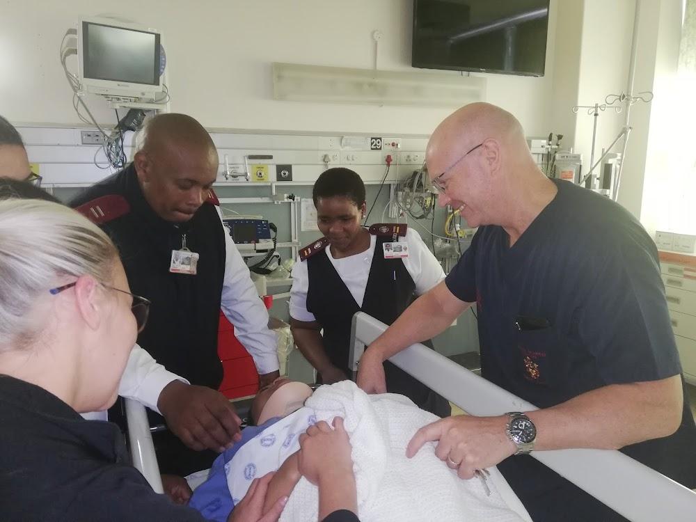 'N Hoë koers van geweld in Kaapstad laat gesondheidswerkers siek - SowetanLIVE Sunday World
