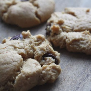 Chewy Peanut Butter Cookies (gluten free & low FODMAP)