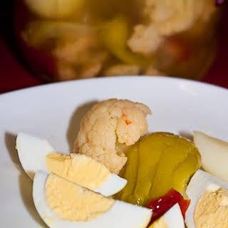 Pub Food – Easy Pickled Eggs.