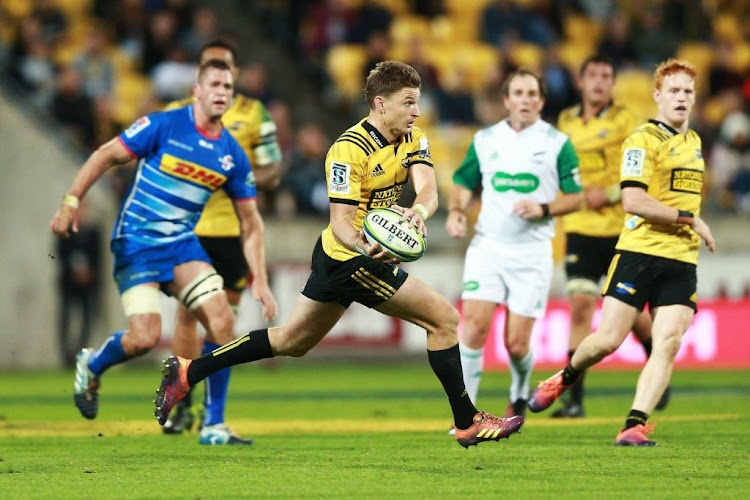 78b20ffc1ea Late Barrett try hands Hurricanes victory over Stormers