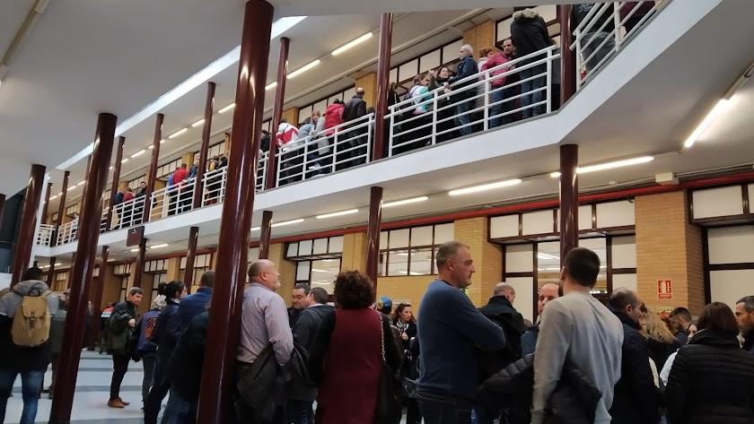 Opositores a Correos, este domingo en la UAL.