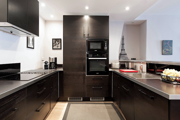 Fully equipped kitchen at Banyuls Apartment