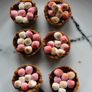 Itty Bitty S'mores Pies
