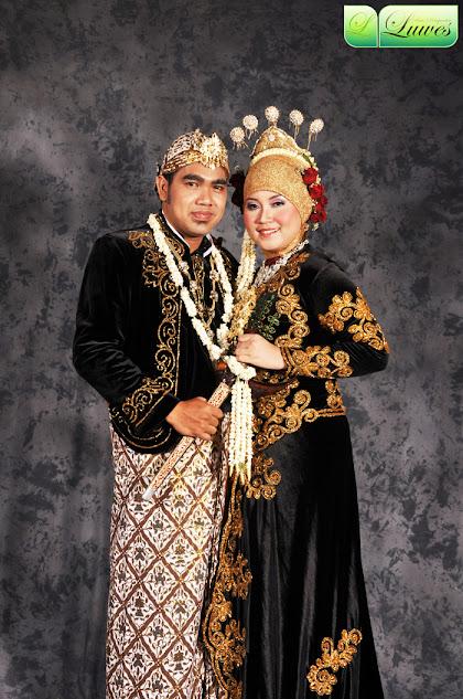Pernikahan adat jawa muslim dengan hijab