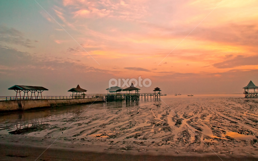 Kenjeran Beach by Bintang Aja - Landscapes Beaches