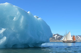 Photo: Photo du Leenan dans la baie du hornsund