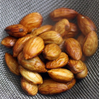 How to blanch almonds easily | Homemade blanched almonds.