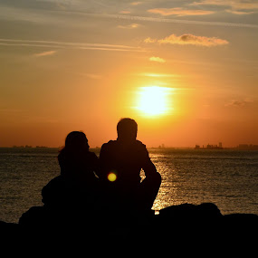 Silouette by Molnar Csilla - People Couples ( love, silhouette, sunset, sea, couple,  )