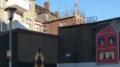 """Photo: """"StadtBad"""" Gruppe 3Artig (2008) & """"Bewohner"""" Josef von Zweydorf (2008)"""