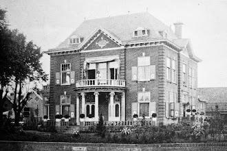 Photo: Ansichtkaart met Villa Post - verstuurd in1919
