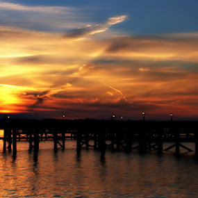 Solomons Sunset by Colleen Rohrbaugh - Landscapes Travel ( sunset, fine art, places, waterscapes, landscapes,  )