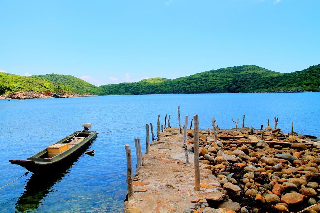 Image result for vịnh đầm tre côn đảo