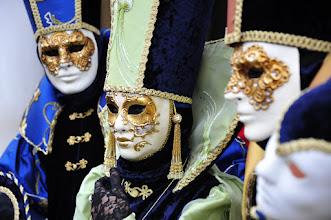 Photo: Venezia carnaval : certains costumés viennent en famille.