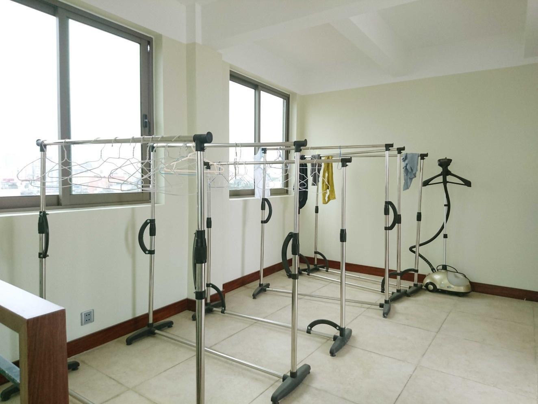 C:UsersAdministratorDesktopLYẢnh căn hộ cho thuêresize5 sân phơi.jpg