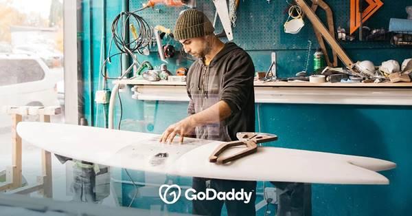 GoDaddy libera ferramentas para ajudar clientes a se manterem na internet