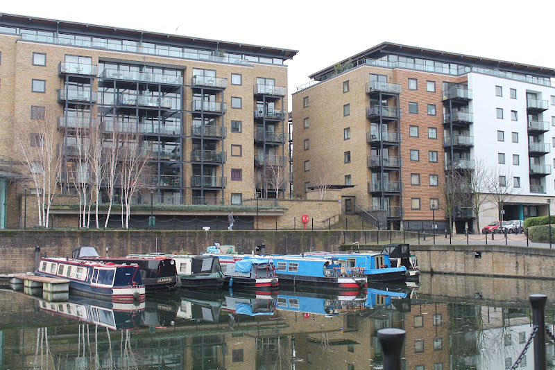 outside view limehouse serviced apartment