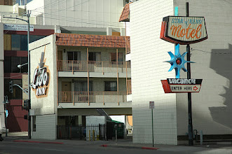 Photo: Next to El Ray are the Star of Reno and the Lido, which is the corner of 4th St, formerly famous Hiway 40. 50 years ago Jack Kerouac probably picked up a couple hookers around here.